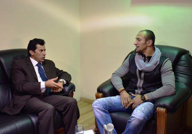الدكتور أشرف صبحي مع كرم جابر