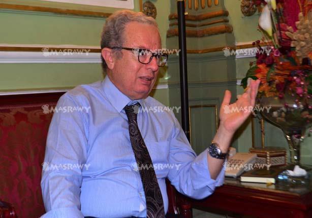 الدكتور حسين عيسى رئيس جامعة عين شمس