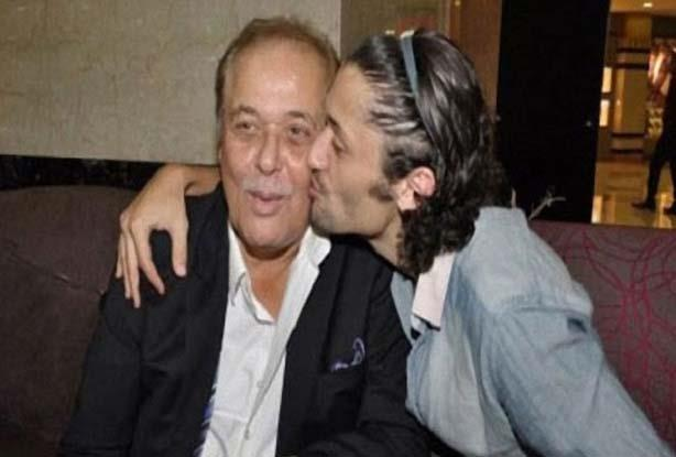 الراحل محمود عبد العزيز مع العائلة (2)