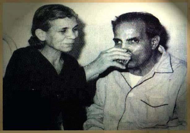 عبدالفتاح القصري وشقيقته بهية