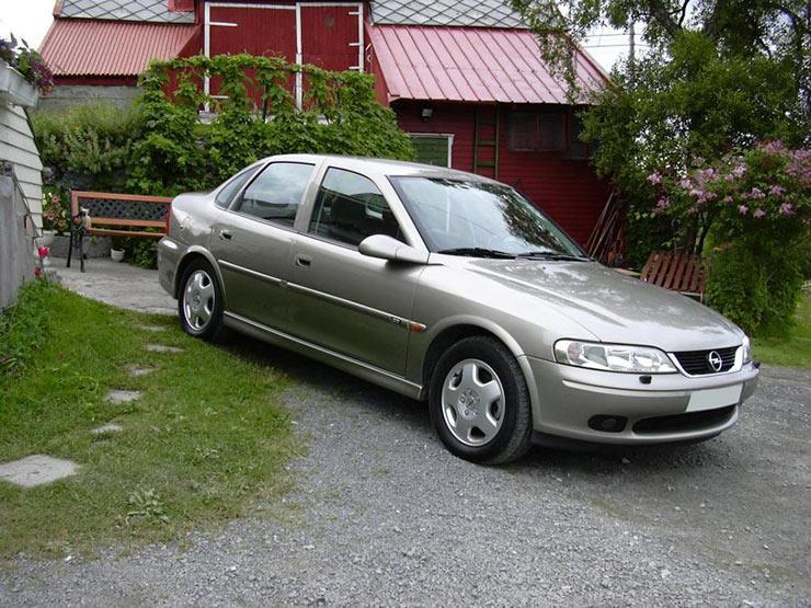 2_Opel_Vectra