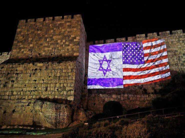 رسم علم أمريكا وإسرائيل بالأضواء (2) copy