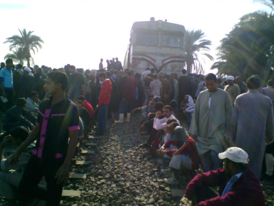 حادث قطار يدهس أتوبيس منفلوط