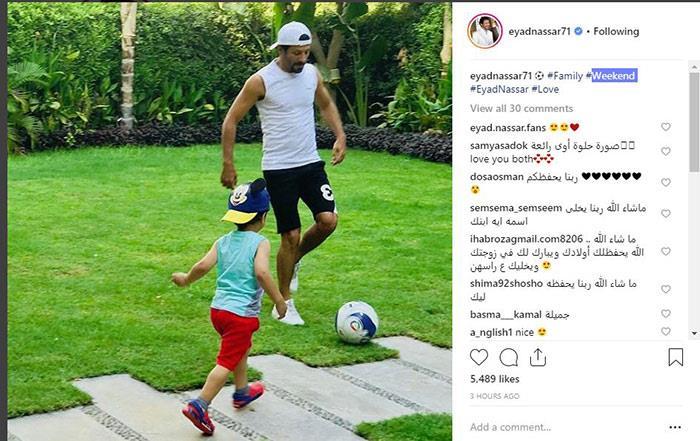 إياد نصار يلعب كرة القدم مع أبنائه (2)