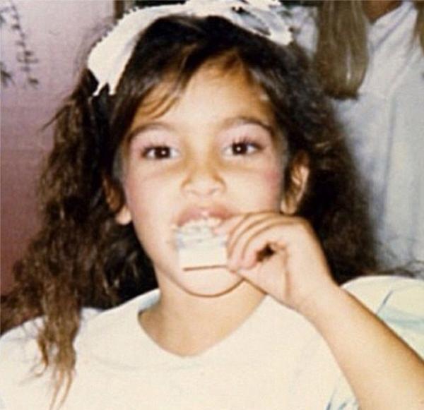 كيم كارداشيان في طفولتها