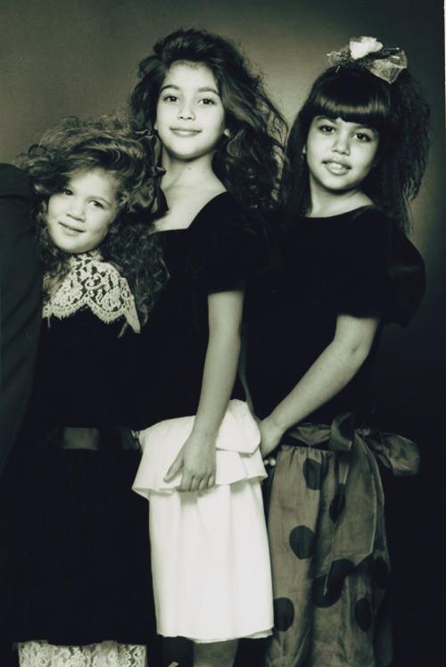 كيم كارداشيان وأخواتها