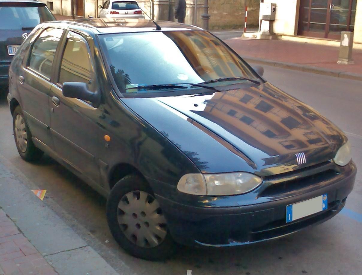 2000_Fiat_Palio_5door