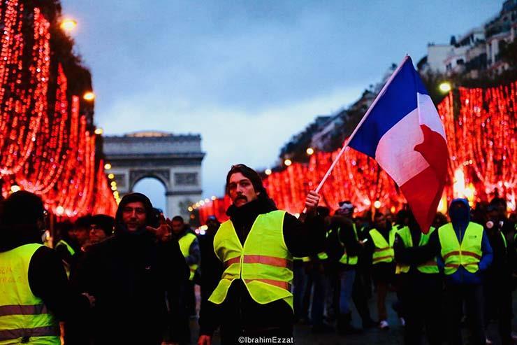 احتجاجات السترات الصفراء بباريس (6)