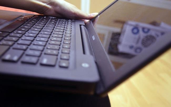 اللابتوب وأجهزة الكمبيوتر المكتبية