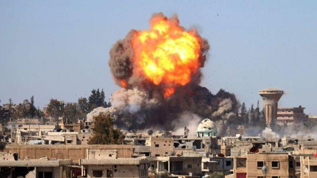 تعرضت مدن وبلدات درعا الى عشرات الغارات