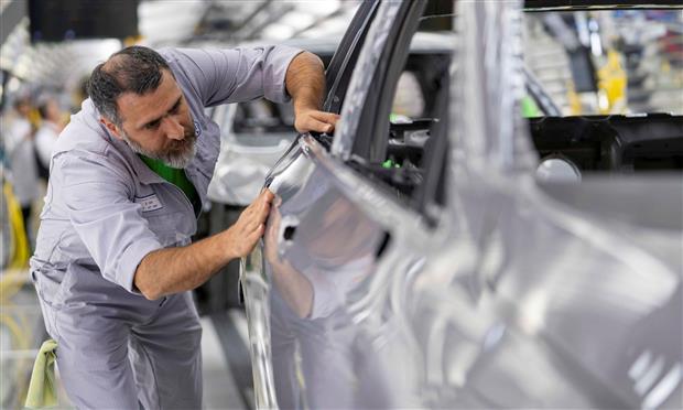 تصنيع وإنتاج فولكس فاجن جولف الجديدة
