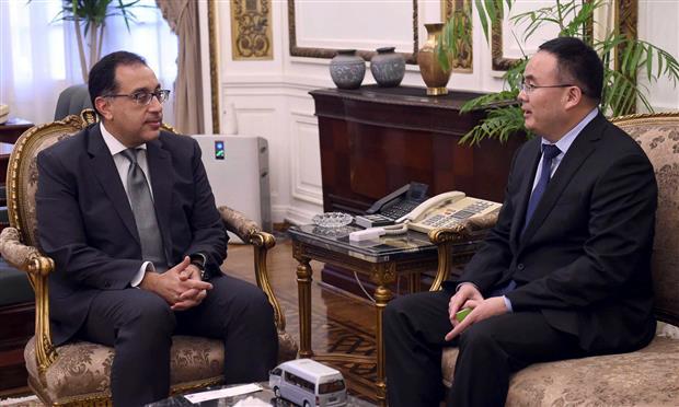 رئيس الوزراء يستقبل رئيس شركة فوتون الصينية