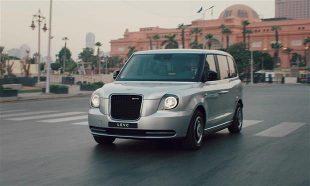 تقدم السيارة  TX الكهربائية بمهرجان الجونة السينمائي