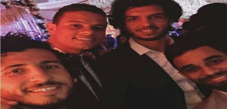 لاعبو الأهلي في زفاف مؤمن زكريا