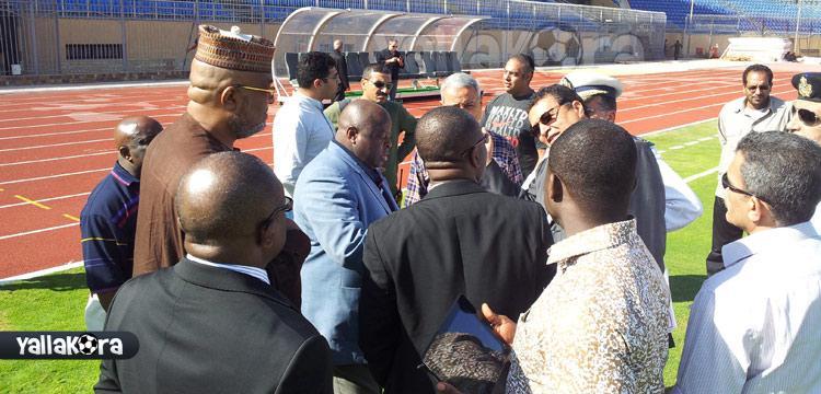 سفير غانا بالرداء الإفريقي الشهير