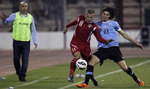 حسام حسن في مباراة اوروجواي