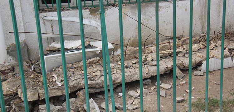صورة للجزء المنهار من مدرج ملعب حلمي زامورا