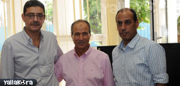 محمود طاهر مع مبروك وعلاء عبد الصادق