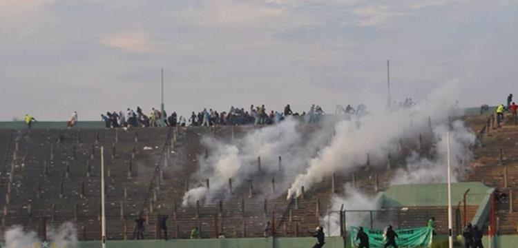 جانب من أحداث مباراة مازيمبي وفيتا كلوب