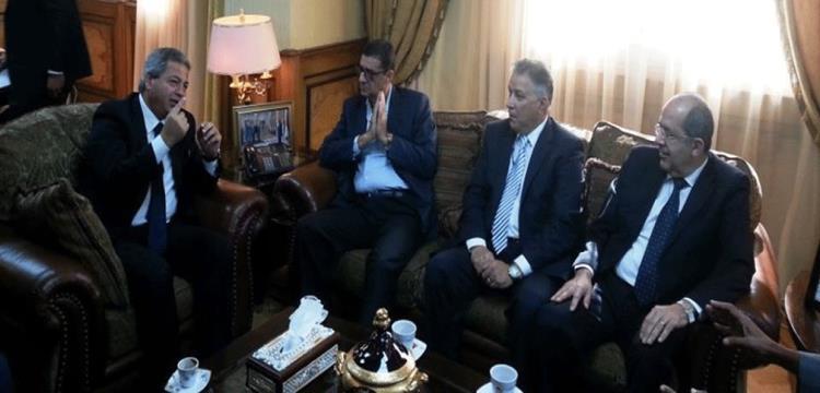 محمود طاهر مع خالد عبد العزيز وزير الشباب والرياضة
