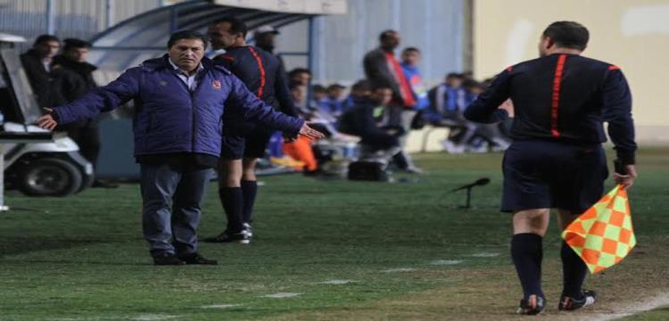 بيسيرو خلال مباراة الاهلي ودجلة
