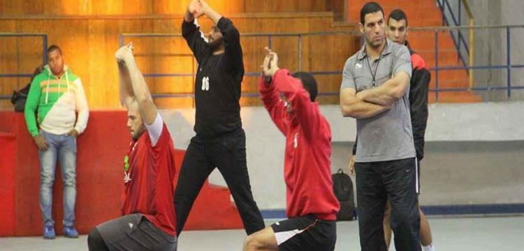 مروان رجب مع عدد لاعبي منتخب مصر