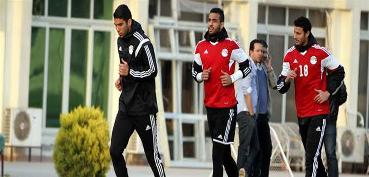 أحمد الشناوي في تدريبات المنتخب