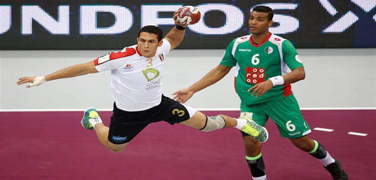 لقطة من مباراة مصر والجزائر في كأس العالم 2015