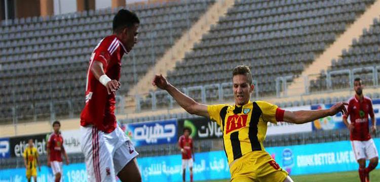 محمود عزت في مباراة الأهلي