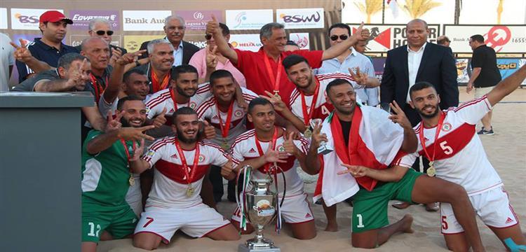 منتخب لبنان مع كأس البطولة