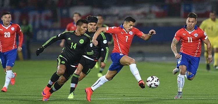 لقطة من مباراة سابقة بين تشيلي والمكسيك
