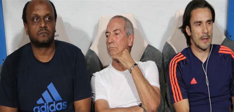 إسماعيل يوسف بجانب جيسوالدو فيريرا المدير الفني للزمالك