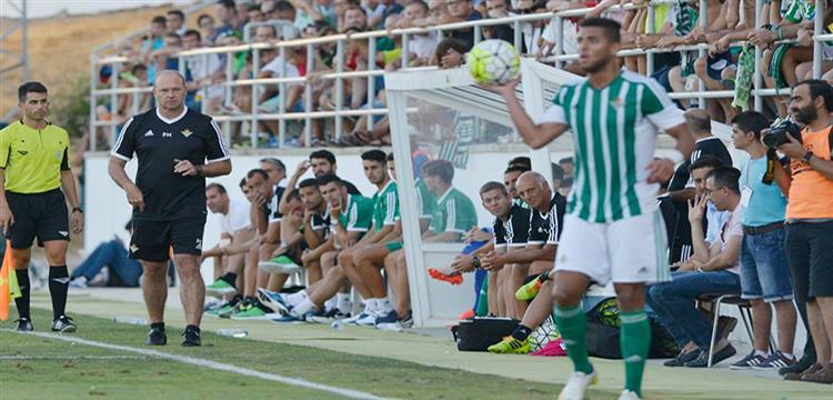عمرو طارق لاعب ريال بيتيس