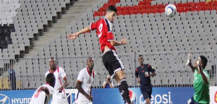 محمد سالم لاعب المقاولون المرشح للانتقال للزمالك في لقطة مع منتخب مصر