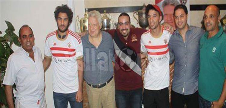 شريف علاء .. الثاني من اليسار