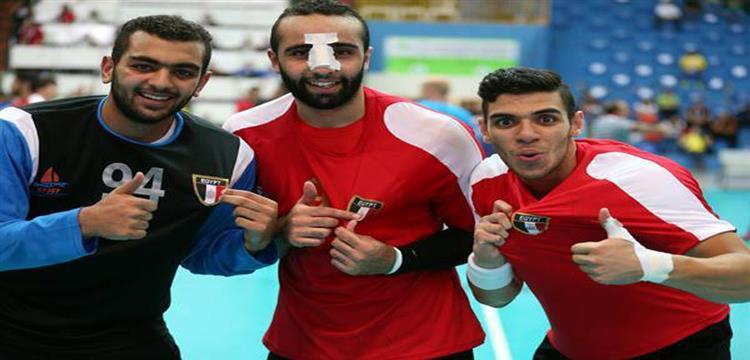 مهاب عثمان مع زملائه في منتخب شباب مصر لكرة اليد
