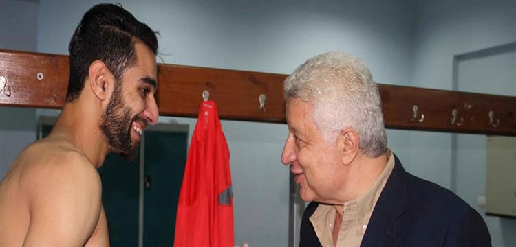 عمرو السولية مع مرتضى منصور رئيس الزمالك في صورة أرشيفية