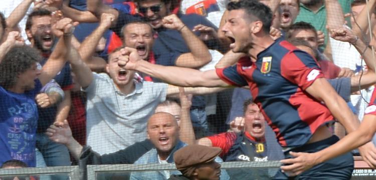 بليريم دزيمايلي بعد تسجيله هدف الفوز في ميلان