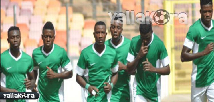 شيكاتارا خلف زملاؤه في المنتخب النيجيري