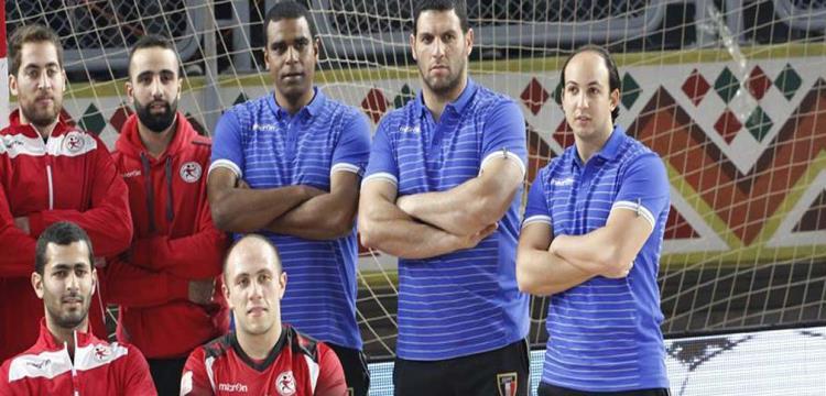 مروان رجب مع الجهاز الفني واللاعبين