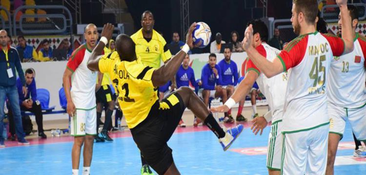 صورة من مباراة انجولا المغرب في بطولة افريقيا لكرة اليد