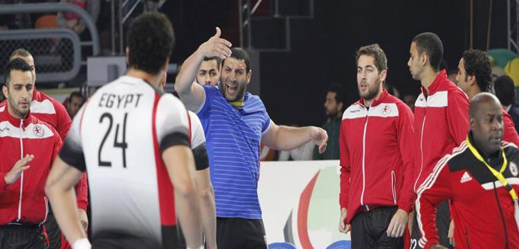 مروان رجب ولاعبي منتخب اليد