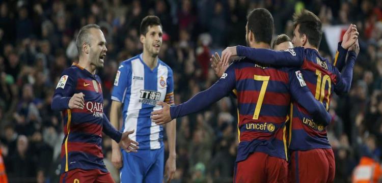 لقطة من مباراة برشلونة واسبانيول