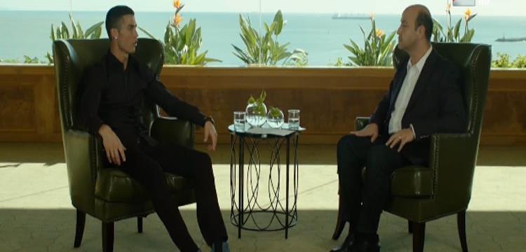 رونالدو مع عمرو أديب أثناء الحوار التلفزيوني