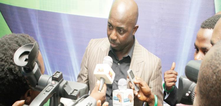 سامسون سياسيا مدرب نيجيريا