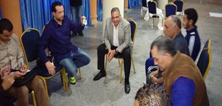 جلسة السفير مع الإعلاميين