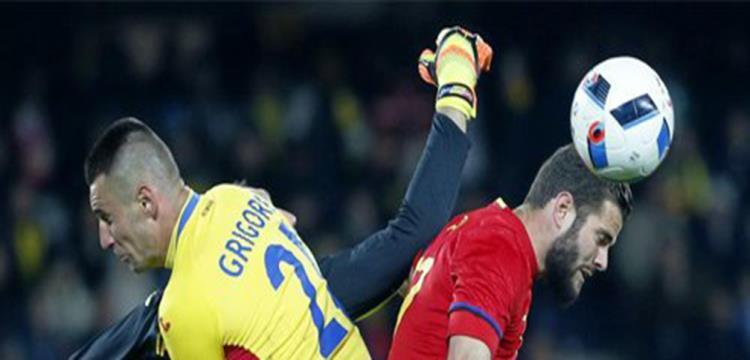 جانب من مباراة إسبانيا ورومانيا