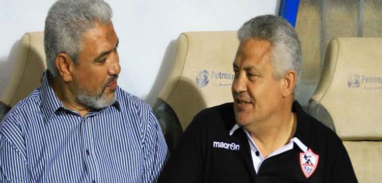محمد حلمي بجانب جمال عبد الحميد