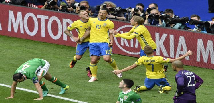 من مباراة السويد وايرلندا