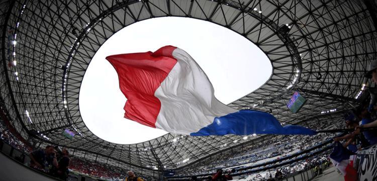 الجماهير الفرنسية تواجه خطر الارهاب